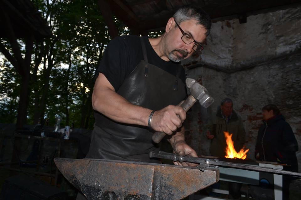 Ivo Stawaritsch umělecký kovář z Kostelce na Hané je čtvrtým nejlepším živnostníkem v celé České republice