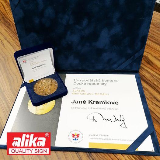 Gratulujeme Ing. Janě Kremlové, zakladatelce společnosti Alika a.s. a člence představenstva OHK v Prostějově, k udělení zlaté Merkurovy medaile
