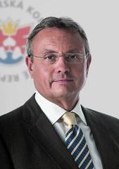 Prezidentem Hospodářské komory znovu zvolen Vladimír Dlouhý