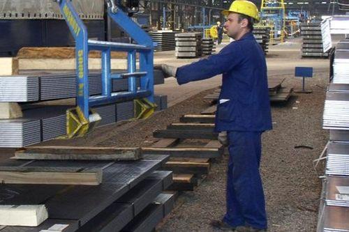Nedostatek pracovníků brzdí další růst českých firem